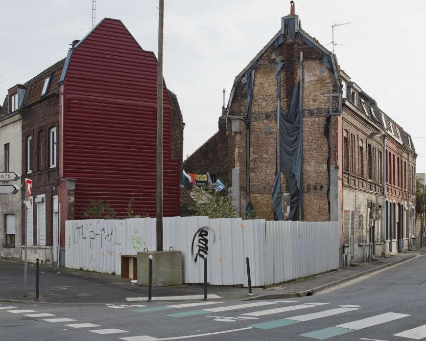 Quartier du Pile à Roubaix : dans ce quartier, le plus pauvre de France, une opération de rénovation a été lancée depuis deux ans pour tenter d'enrayer la déchéance urbaine.