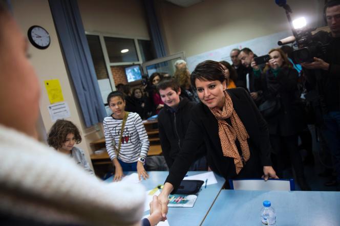 Najat Vallaud-Belkacem dans une école parisienne à l'occasion de la journée de la laïcité le 9 décembre.