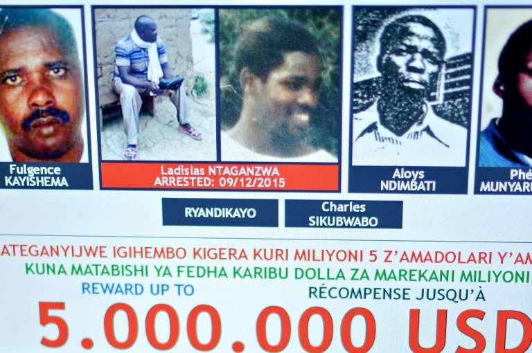 Le Rwandais Ladislas Ntaganzwa (en rouge) est recherché par la justice internationale pour son rôle présumé dans le génocide de 1994 au Rwanda.