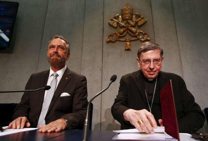 Le cardinal Koch (à droite), président du Conseil pontifical pour la promotion del'unité des chrétiens, et le rabbin Rosen, de l'American Jewish Committee, le10décembre 2015, au Vatican.