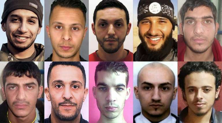 Visages des terroristes impliqués dans les attentats du 13 novembre 2015 à Paris et à Saint-Denis. Parmi eux, ceux ayant la nationalité française sont Salah Abdeslam (deuxième en haut en partant de la gauche) et son frère Brahim (deuxième en bas),  Omar Ismaël Mostefaï (troisième en bas), Samy Aminour (quatrième en bas) et Foued Mohamed Aggad (quatrième en haut).