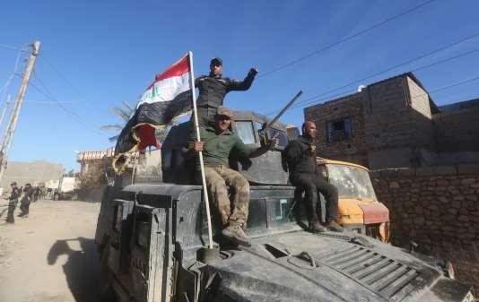 Les forces loyales au gouvernement avaient réussi il y a une quinzaine de jours à reprendre le quartier de Tamim, dans le sud-ouest de Ramadi.