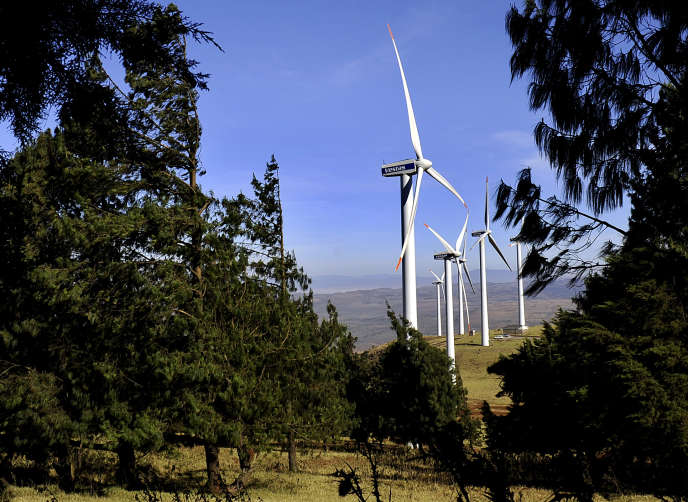 Des éoliennes sur les monts Ngong au Kenya, en 2010.