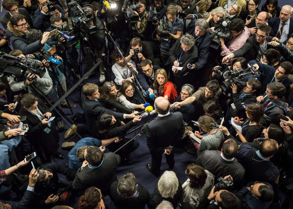 Point presse de Laurent Fabius  dans la soirée. La clôture de la COP21, initialement prévue vendredi à 18 heures, a été reportée à samedi.