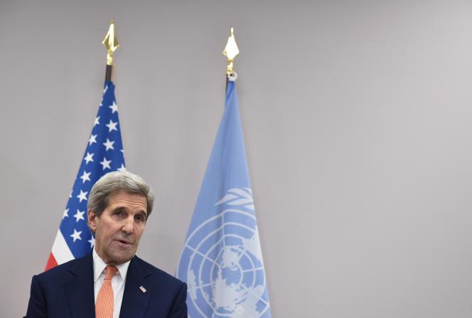 Le secrétaire d'Etat américain, John Kerry, lors de la COP21, le 12 décembre au Bourget.