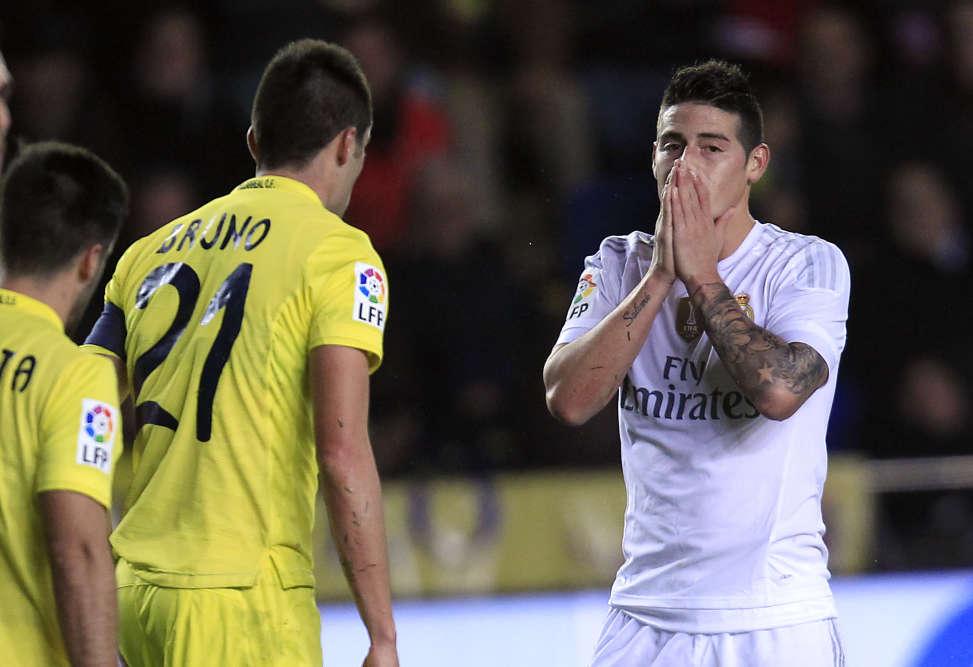 James Rodriguez peut se tenir la tête. Le Real Madrid n'a pas profité du match nul du Barça. Les Madrilènes ont été battus 1-0 par Villarreal et se classent troisièmes avec 30 points, à 5 points du Barça et de l'Atletico.