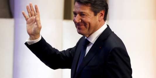 Christian Estrosi à Nice, le 13 décembre 2015, après l'annonce du second tour des élections régionales en PACA.