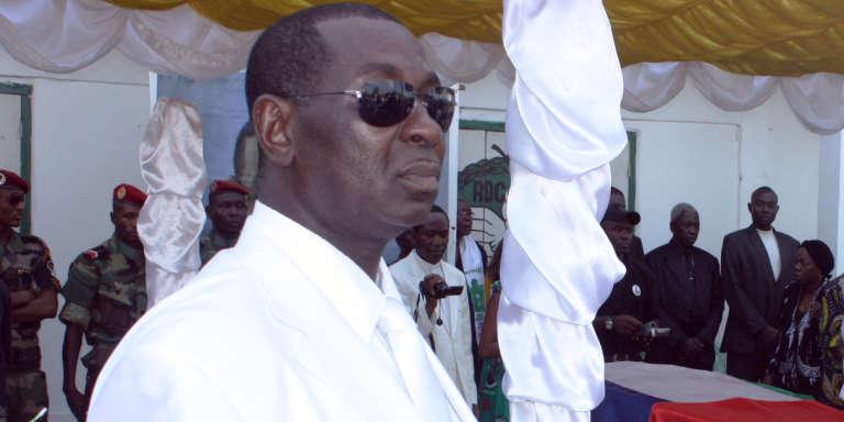 Bilal Desire Nzanga-Kolingba lors de l'enterrement de son père, l'ancien chef d'Etat André Kolingba, le 2 mars 2010, à Bangui.