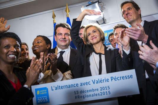 Valérie Pécresse, candidate Les Républicains, à l'élection régionale en Ile-de-France, intervient devant les médias dans un café du 8e arrondissement à Paris, dimanche 13 décembre 2015.