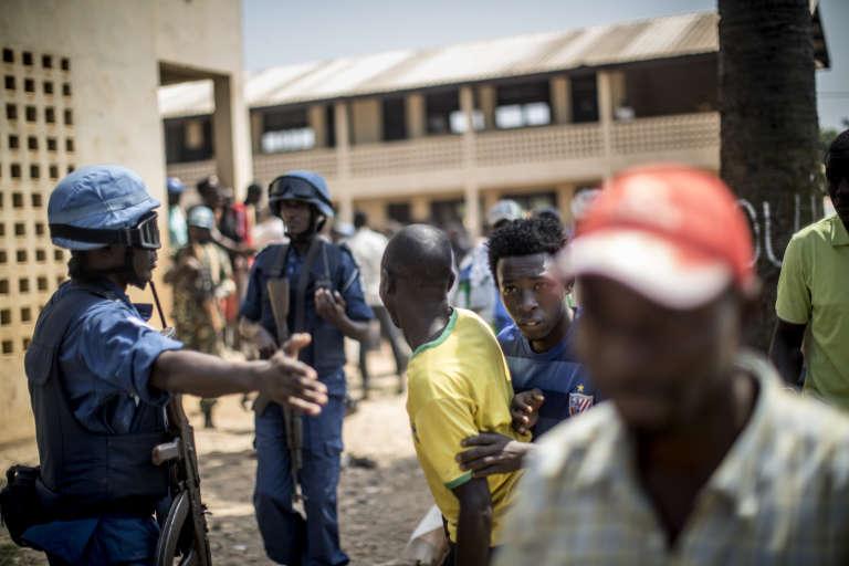 Aux abords de l'école Baya Dombia, dans le quartier à majorité musulmane du PK5 à Bangui, le 13 décembre 2015.