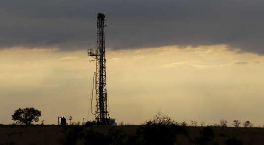 Depuis 2009, l'exploitation de ses fabuleux gisements de pétroles et de gaz de schiste, ont propulsé l'Amérique à des niveaux de production qu'elle n'avait pas connus depuis les années 1930.