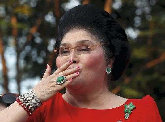 Pendant plus de vingt ans, l'ancien dictateur Marcos et sa femme Imelda ont constitué leur collection d'œuvres d'art et de bijoux en détournant des fonds publics.