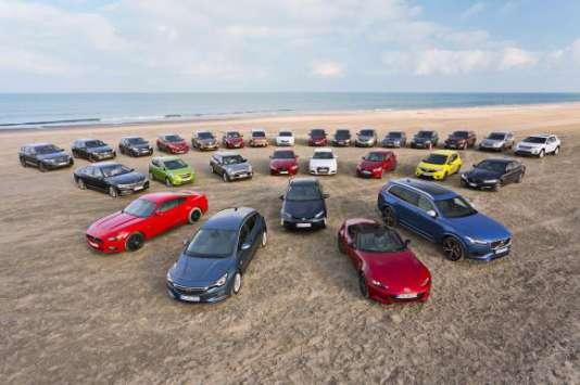 Les sept modèles toujours en lice pour obtenir le titre de Voiture de l'année 2016 sont :  l'Audi A4, la BMW Série 7, l'Opel Astra, la Jaguar XE, la Skoda Superb, la Volvo XC90 et la Mazda MX5.