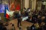 """Le soir du 2e tour des élections régionales, Xavier Bertrand, vainqueur en Nord-Pas-de-Calais-Picardie, a adopté une attitude humble bien accueillie par les lecteurs du """"Monde""""."""