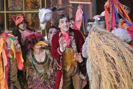 Dino (Gilles Benizio) interprète le duc et le Japonais.