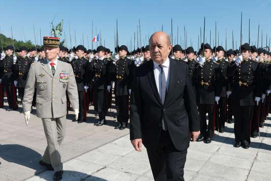 Le ministre de la défense, Jean-Yves Le Drian, le 6 juin, à l'Ecole polytechnique.