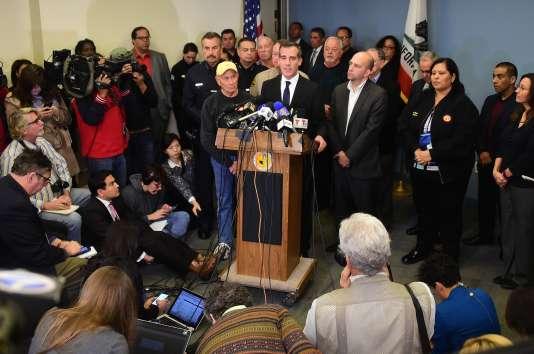 Le maire de Los Angeles, Eric Garcetti, défend la prudence du rectorat qui a ordonné la fermeture des écoles, le 15 décembre 2015.