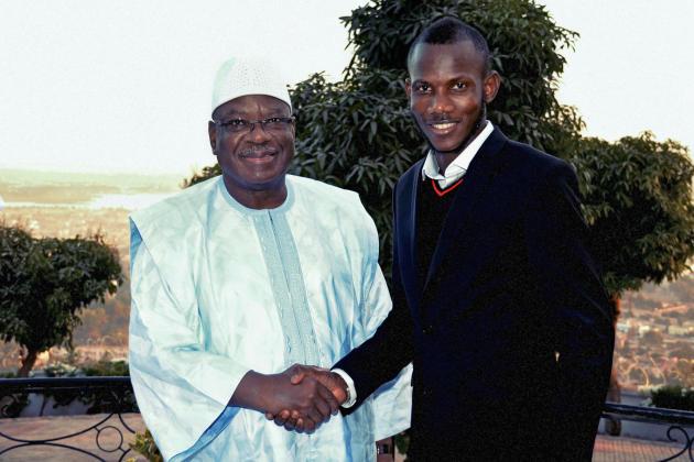 «Coulibaly a jeté le drapeau malien par terre. Et toi, Lassana tu l'as ramassé», a exprimé le président Malien Ibrahim Boubakar Keïta, qui a reçu Lassana au Mali.