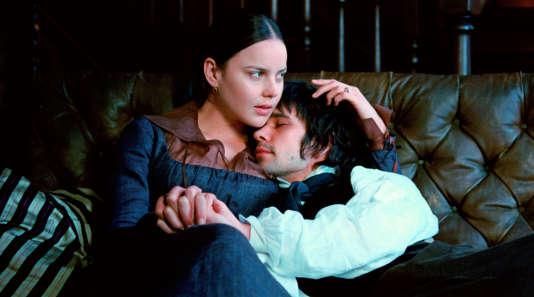 Fanny Brawne (Abbie Cornish) et John Keats (Ben Whishaw).