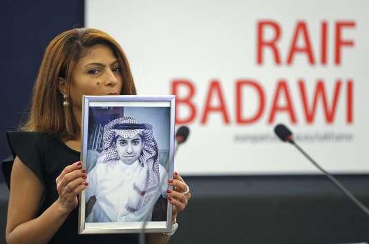 Animateur du site Internet Liberal Saudi Network, Raif Badawi s'est vu décerner le 29 octobre 2015 le Prix Sakharov pour la liberté d'expression décerné par le Parlement européen.