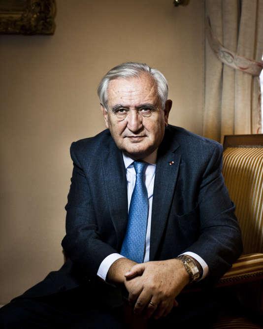 Jean-Pierre Raffarin, dans son bureau du Sénat.