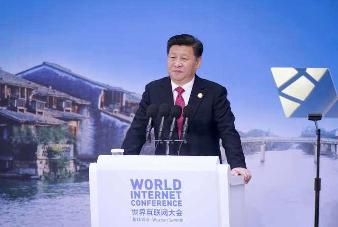 Le président chinois Xi Jinping lors de l'ouverture de la deuxième Conférence mondiale d'Internet organisée mi-décembre à l'initiative du gouvernement.