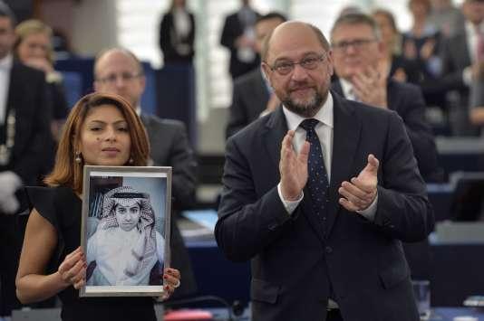 Raef Badaoui « n'a fait qu'user de son droit à la liberté d'expression. Il a comblé une lacune dans son pays concernant la liberté de la presse », a déclaré le président du Parlement, Martin Schulz.