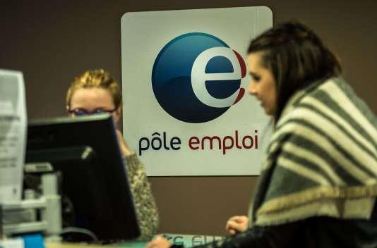 Dans une agence Pôle emploi de Lille, en décembre 2015.
