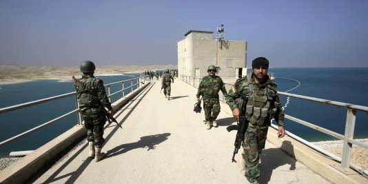 Les forces kurdes, appuyées par l'aviation américaine, avaient repris le barrage à l'EI en août 2014.
