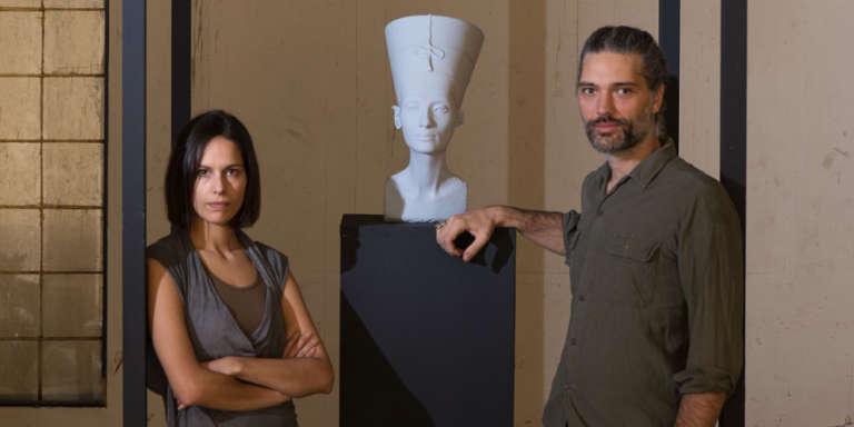 Les artistes Nora Al-Badri et Jan Nikolai Nelles autour de The Other Nefertiti.