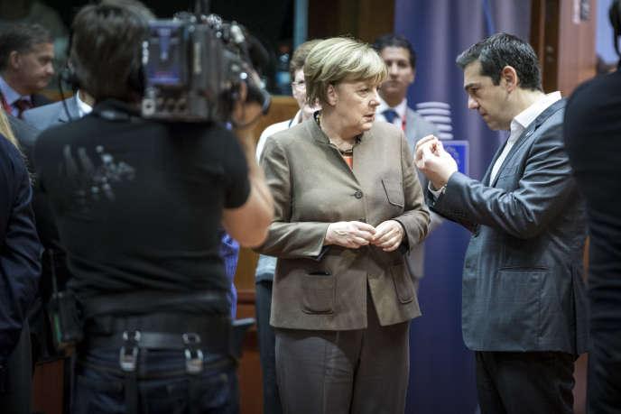 Angela Merkel et Alexis Tsipras au sommet européen de fin d'année à Bruxelles le 18 décembre 2015.
