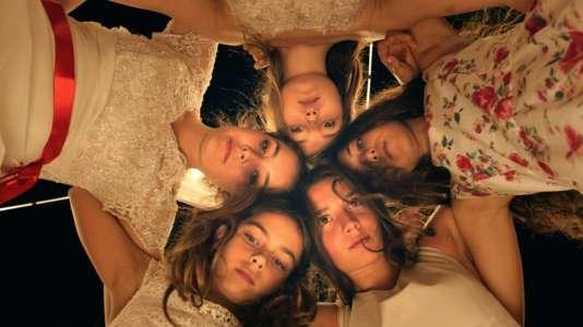 """Les cinq jeunes actrices du film turc de Deniz Gamze Ergüven, """"Mustang"""", présélectionné pour l'Oscar du film étranger."""