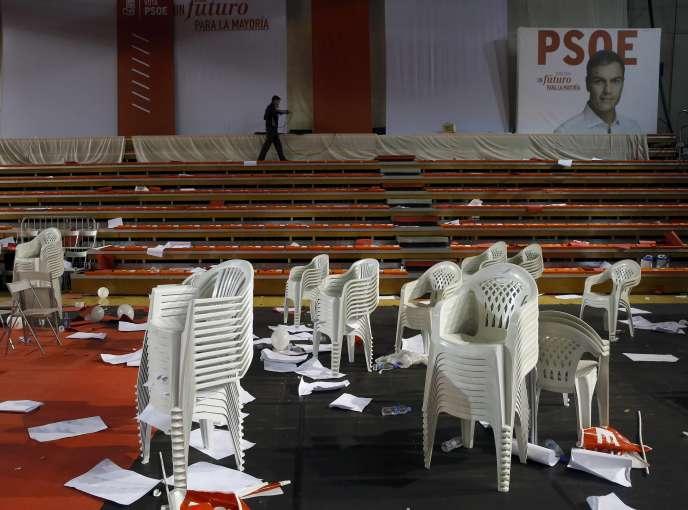 Le PSOE est pris en étau entre Podemos et Ciudadanos, et risque de perdre la deuxième position en nombre de voix.