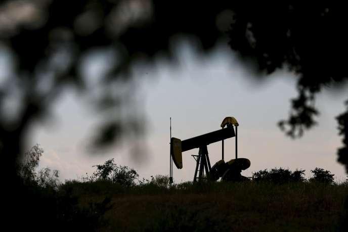Un puits de pétrole à Cisco au Texas. La production américaine  de pétrole aaugmenté  de près de 90 % depuis août2008.