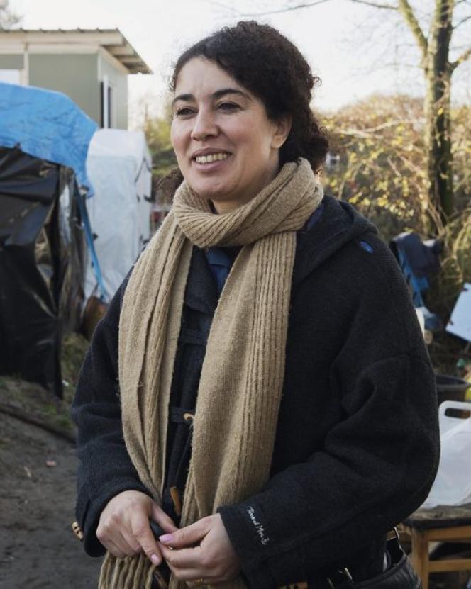 Mariam Guerey, du Secours populaire, offre son aide notamment pour les demandes d'asile.