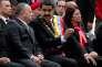 Le président du Venezuela, Nicolas Maduro (au centre) avec le président sortant de l'Assemblée nationale, Diosdado Cabello, à Caracas, jeudi 17 décembre 2015.