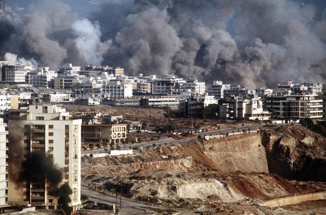 Au cours de l'été 1982, l'armée israélienne a plongé Beyrouth-Ouest sous un déluge de bombes lors de l'opération Paix en Gallilée.