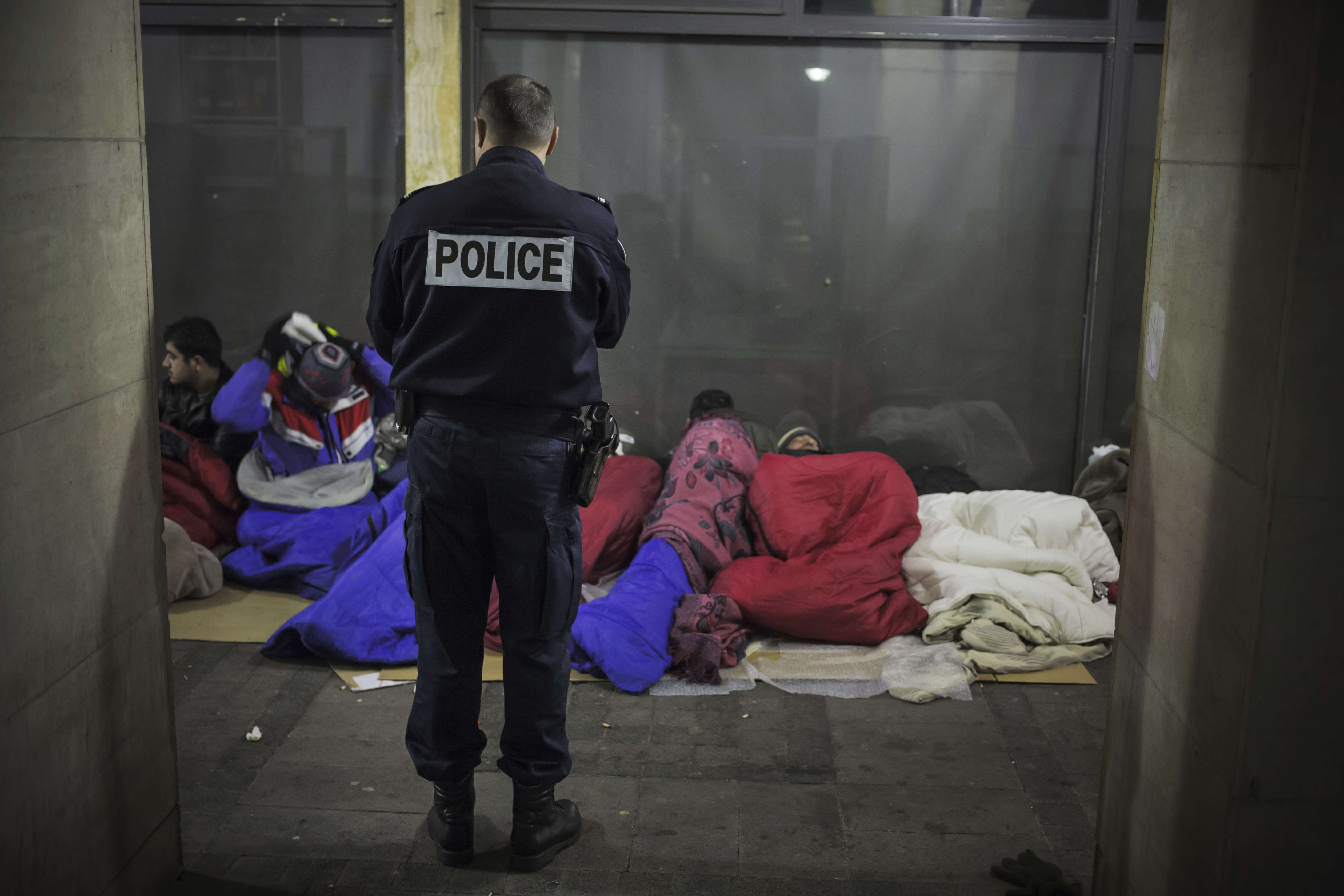 Ce campement a longtemps été toléré par les résidents, peu enclins à « chasser des migrants ». Mais, devant l'ampleur pris par le problème, le ton est monté récemment.