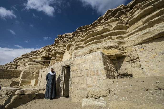L'entrée de la tombe de Maïa, nourrice de Toutankhamon. Ce tombeau a été découvert en 1996 dans la nécropole de Saqqara, au sud du Caire.