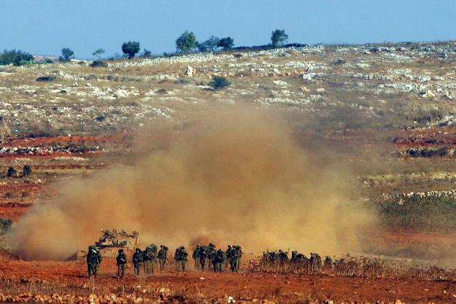 Au cours de la guerre de 33 jours, en 2006, le Hezbollah surclasse les soldats israéliens, ici le 15 août 2006.