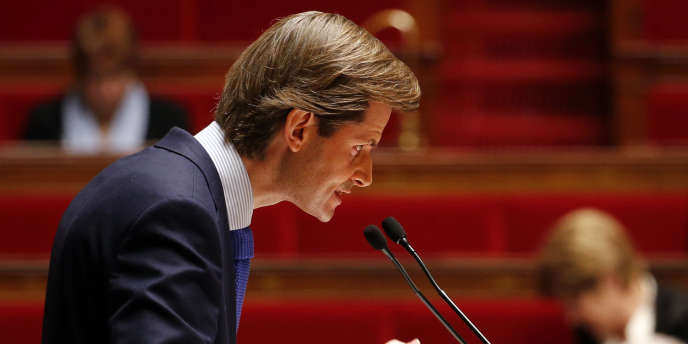 Le député Les Républicains Guillaume Larrivé, à l'origine de l'amendement, le 19novembre 2015 à l'Assemblée à Paris.