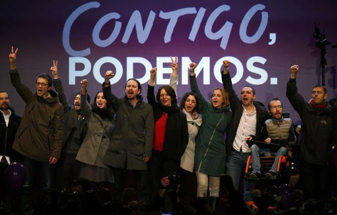 Pablo Iglesias et des membres de Podemos.