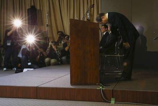 Le président de Toshiba Corporation, Masashi Muromachi, lors de sa conférence de presse au siège social de l'entreprise, à Tokyo le 21 janvier.