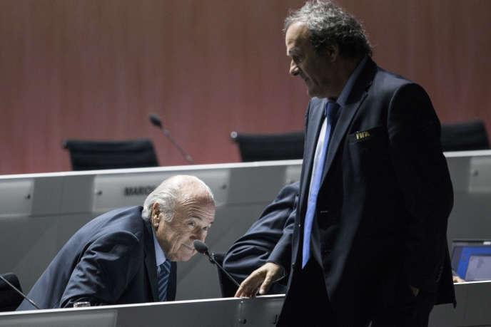 Joseph S. Blatter et Michel Platini, lors du 65e congrès de la FIFA à Zurich, le 29 mai 2015.