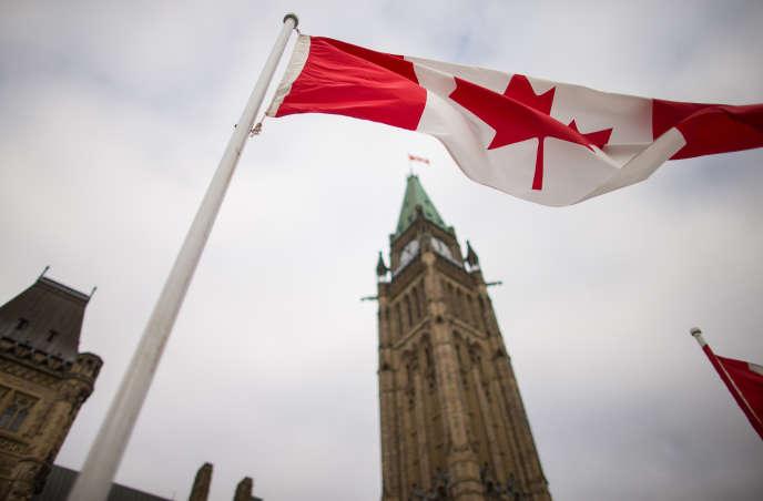 Les frais d'inscription universitaires ont augmenté plus vite que l'inflation au Canada.