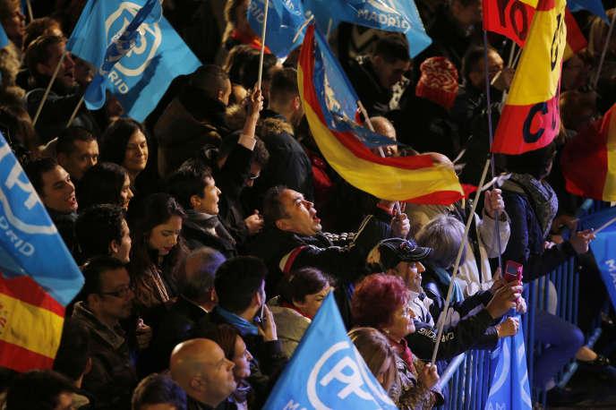 Partisans du Parti populaire, à Madrid, le 20 décembre 2015.