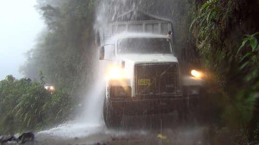 Au Pérou, avec son vieux camion, David part charger du bois en Amazonie pour faire vivre sa famille. Ses aventures à suivre le dimanche 27 sur France 5.