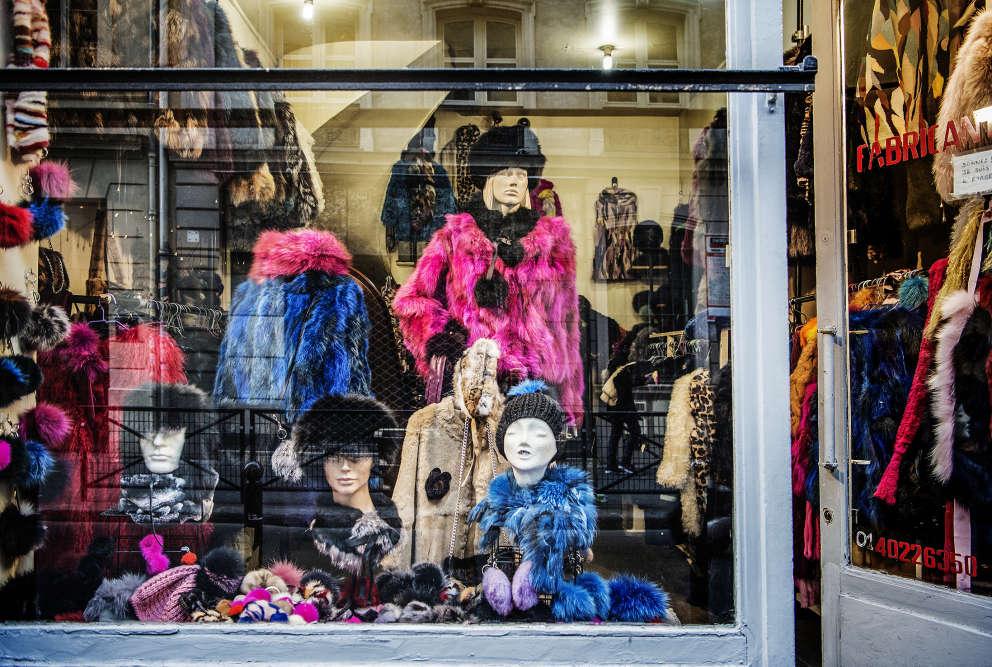 La vitrine de la boutique Hélène Furs.