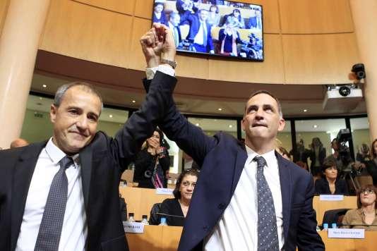Le président du Conseil exécutif de Corse Gilles Simeoni (à droite) et le président de l'Assemblée de Corse Jean-Guy Talamoni, le 17 décembre 2015, àAjaccio.