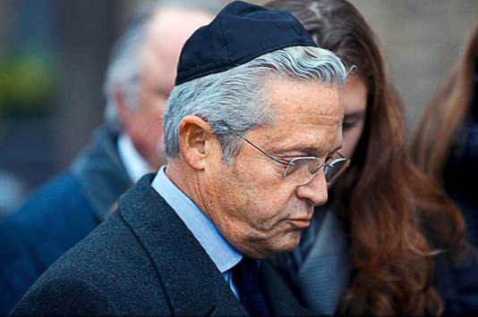Guy Wildenstein, lors de l'enterrement de sa belle-mère Sylvia, le 19 novembre 2010.